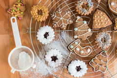 Decoración hecha en casa de las galletas de la Navidad Fotografía de archivo