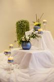 Decoración hermosa de la tabla de la recepción nupcial Fotos de archivo