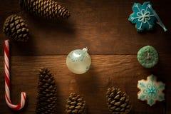 Decoración hermosa del marco de la Navidad del bastón de caramelo de hierbabuena Fotos de archivo