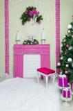 Decoración interior de la Navidad hermosa para la celebración de familia Foto de archivo libre de regalías