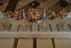 Decoración interior de la tabla del restaurante hermoso para casarse Foto de archivo libre de regalías