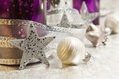 Decoración púrpura de la Navidad Foto de archivo