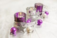 Decoración púrpura de la Navidad Fotografía de archivo