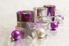 Decoración púrpura de la Navidad Fotos de archivo libres de regalías