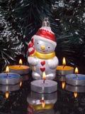 Decoración para el árbol y las velas de abeto Imágenes de archivo libres de regalías