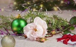Decoración para los árboles de navidad y los regalos para la Navidad Imagen de archivo libre de regalías