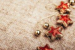 Decoración rústica del Año Nuevo de la Navidad Imágenes de archivo libres de regalías