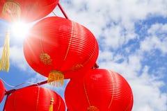 Decoración roja china de la linterna de papel de la Feliz Año Nuevo Imágenes de archivo libres de regalías
