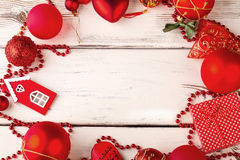 Decoración roja de la Navidad con el espacio para el texto Foto de archivo