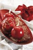 Decoración roja de la Navidad con las velas Fotografía de archivo libre de regalías