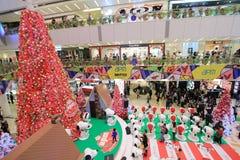 Decoración Snoopy de la Navidad de APM en Hong Kong Imágenes de archivo libres de regalías