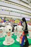 Decoración Snoopy de la Navidad de APM en Hong Kong Imagen de archivo