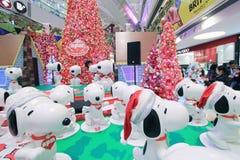 Decoración Snoopy de la Navidad de Hong Kong APM Fotos de archivo