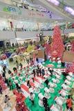 Decoración Snoopy de la Navidad de Hong Kong APM Imagen de archivo libre de regalías