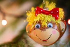 Decoración sonriente de la Navidad del mono Imágenes de archivo libres de regalías