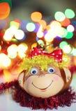 Decoración sonriente de la Navidad del mono Imagenes de archivo