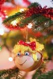 Decoración sonriente de la Navidad del mono Fotografía de archivo