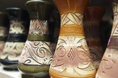Decoración tribal en los recuerdos tradicionales, Kuching, Sarawak, Malasia de los motivos imagenes de archivo