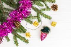 Decoración verde del Año Nuevo del árbol de navidad Fotografía de archivo libre de regalías
