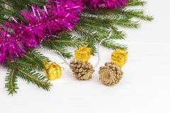 Decoración verde del Año Nuevo del árbol de navidad Foto de archivo libre de regalías