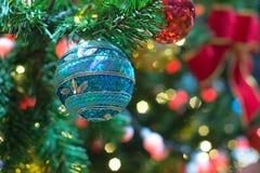 decoración y bokeh de luces de Navidad para el backg del Año Nuevo de la Navidad Imagen de archivo
