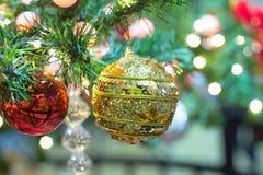 decoración y bokeh de luces de Navidad para el backg del Año Nuevo de la Navidad Fotos de archivo libres de regalías