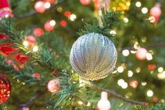 decoración y bokeh de luces de Navidad para el backg del Año Nuevo de la Navidad Fotos de archivo