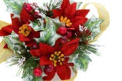 Decoración de la Navidad del Poinsettia con la cinta del oro Fotografía de archivo