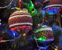 Decoraciones Año Nuevo y árbol de navidad Fotografía de archivo libre de regalías