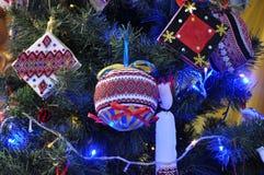 Decoraciones Año Nuevo y la Navidad tree_9 Fotografía de archivo