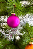 Decoraciones aisladas del árbol de navidad 2016 Felices Año Nuevo Foto de archivo