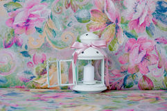 Decoraciones blancas y rosadas de la linterna de la boda Fotos de archivo libres de regalías