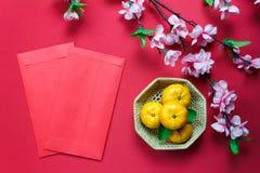 Decoraciones chinas del festival del Año Nuevo de los accesorios de la visión superior Fotografía de archivo