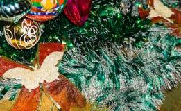 Decoraciones coloridas de la Navidad Fotografía de archivo