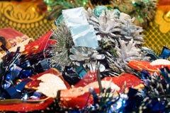 Decoraciones coloridas de la Navidad Foto de archivo libre de regalías