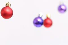 Decoraciones coloridas de las bolas de la Navidad Foto de archivo libre de regalías