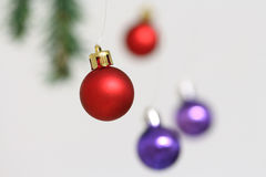 Decoraciones coloridas de las bolas de la Navidad Fotografía de archivo