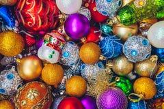 Decoraciones coloridas del día de fiesta de la Navidad Fotografía de archivo libre de regalías