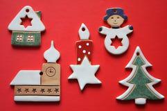 Decoraciones de cerámica de la Navidad Imagen de archivo libre de regalías