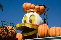 Decoraciones de Disneylandya víspera de Todos los Santos imágenes de archivo libres de regalías
