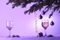 Decoraciones de la aún-vida de la Navidad Imagen de archivo libre de regalías