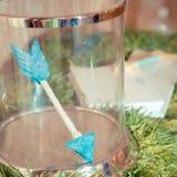 Decoraciones de la boda Flechas del amor Fotografía de archivo libre de regalías