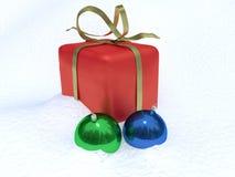 Decoraciones de la caja de la Navidad y de la Navidad Imagenes de archivo
