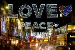 Decoraciones de la calle principal de la Navidad Fotos de archivo