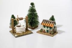 Decoraciones de la escena de la natividad de la Navidad en un fondo blanco Fotografía de archivo libre de regalías