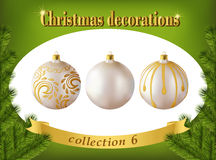 Decoraciones de la Navidad Colección de bolas de cristal blancas Fotografía de archivo