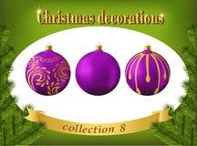 Decoraciones de la Navidad Colección de bolas de cristal violetas Imagen de archivo libre de regalías