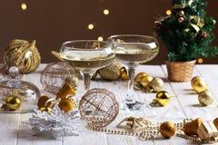 Decoraciones de la Navidad con la copa Imagen de archivo libre de regalías