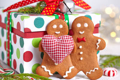 Decoraciones de la Navidad con el hombre de pan de jengibre Imagen de archivo
