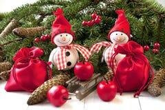 Decoraciones de la Navidad con el muñeco de nieve Imágenes de archivo libres de regalías